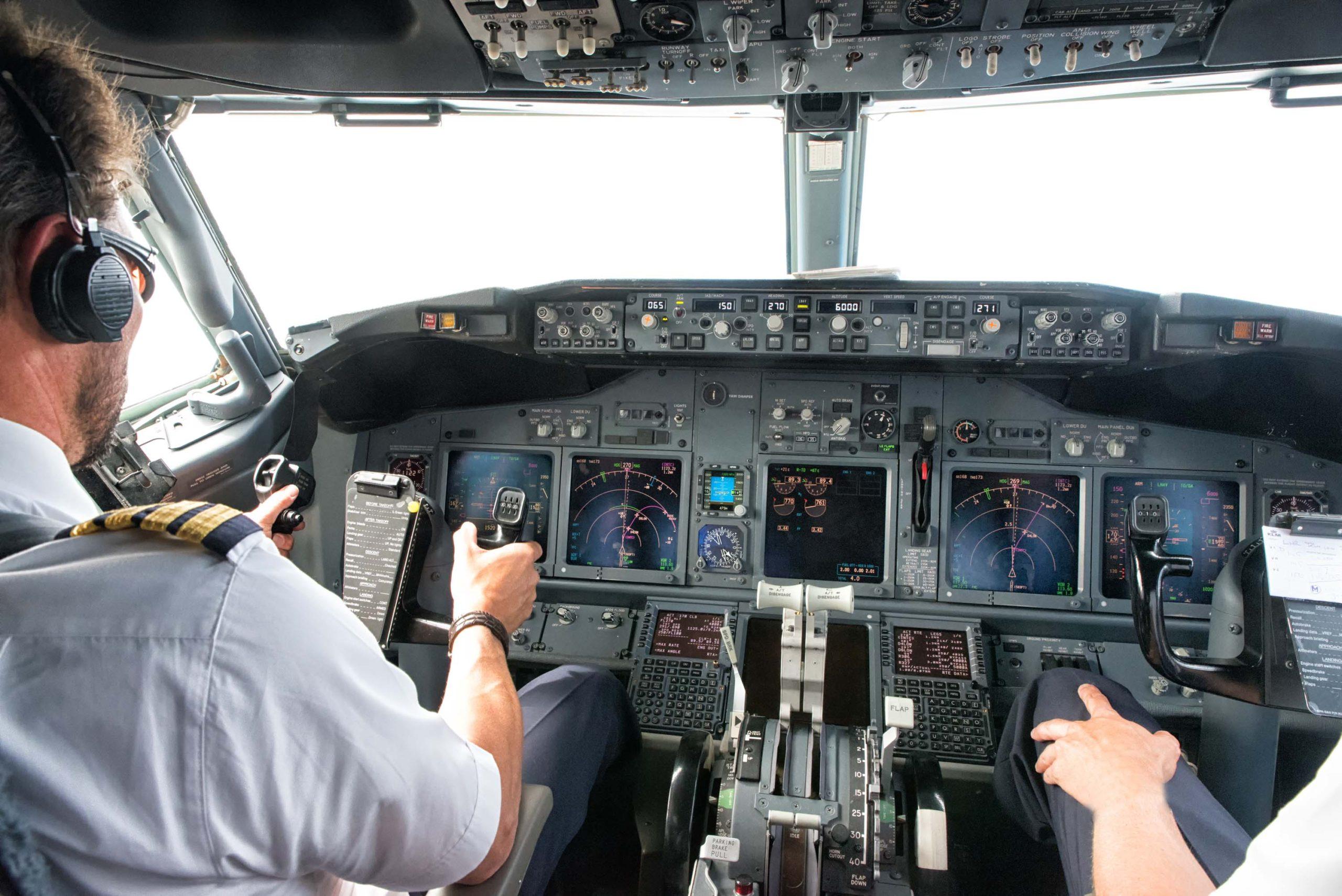 737 kokpit pilot