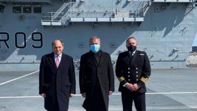 Photo of Milli Savunma Bakanı İngiltere'de uçak gemisini ziyaret etti