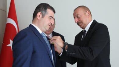 Photo of Haluk Bayraktar'a Karabağ Nişanı