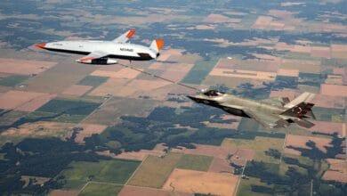 Photo of İnsansız tanker uçak F-35C'ye ikmal yaptı